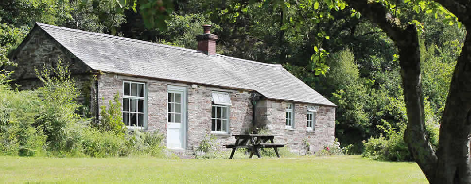 The Count House is a self catering holiday cottage which sleeps 2
